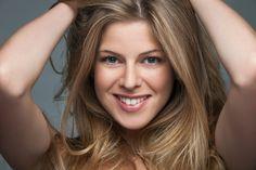 http://www.coiffeur-lauda.de/wp-content/uploads/2015/08/Haare-blonde-f%C3%A4rben-und-str%C3%A4hnen-Dresden-Friseur-H%C3%A4ndeamKOpf-1200x800.jpg