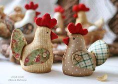 Cuki húsvéti figurák II. | PaGi Decoplage Farm Crafts, Easter Crafts, Diy And Crafts, Arts And Crafts, Fabric Animals, Fabric Birds, Fabric Scraps, Sewing Projects For Kids, Sewing Crafts