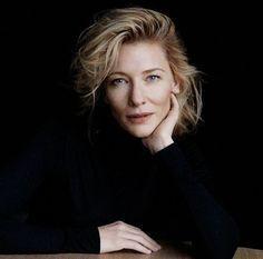Cate Blanchett a nadrágos szettek királynője - Portraitfotografie Pose Portrait, Studio Portrait Photography, Headshot Poses, Headshot Photography, Studio Portraits, Photography Women, Photography Tutorials, Creative Photography, Digital Photography