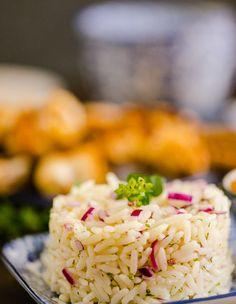 Rys is seker een van die veelsydigste stysel soorte ter aarde. Onlangs met een van ons personeel van Malawië is gesêls oor rys. Hy het opgemerk dat die rys in Suid-Afrika nie kook soos die rys in Malawië nie en ons het omtrent oor hierdie onderwerp uit Nasi Goreng, Orzo, Polenta, Couscous, Grains, Rice, Recipes, Food, Essen