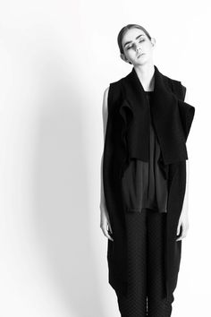 VIBE JOHANSSON AUTUMN/WINTER 2016 #vibejohansson #aw16 #autumnwinter #paris #copenhagen #pfw #parisfashionweek #followthe buyers #nordicstyle #avantgarde #fashion #blackallblack #blackandwhite #black #photography #jacobtopmøller  Photo: Jacob Top Møller