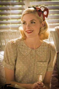 Red bow hair band and polka dot silk blouse! I want!