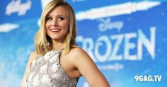 "Kristen Bell's Live Performance Of ""Do You Want To Build A Snowman"" Is awesome!"