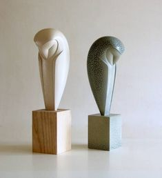 sculpture inspired by the avian world.Ceramic sculpture inspired by the avian world. Stone Sculpture, Art Sculpture En Bois, Bird Sculpture, Abstract Sculpture, Sculpture Ideas, Wood Carving Designs, Wood Carving Art, Stone Carving, Ceramic Birds