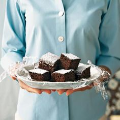 This easy-to-make snack cake has deep chocolate taste. For more banana flavor and a slight crunch, top the cake with crumbled banana...