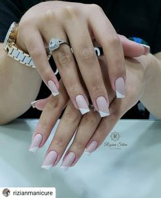 I would like to become a professional manicure and pedicure and make over reais per month? I will teach you step by step how I do nails perfect and have my busy schedule throughout the year! French Nail Designs, Beautiful Nail Designs, Nail Art Designs, Perfect Nails, Gorgeous Nails, Pretty Nails, Trendy Nail Art, Stylish Nails, Pink Nails