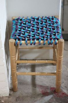 repin:DIY Woven Stool. So fabulous,maybe do it with rope?