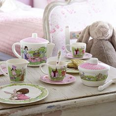 Belle and Boo Dollies Tea Set - From Lakeland. This is absolutely adorable!