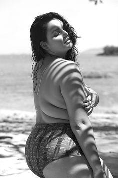 Plus size model Cléo Fernandes