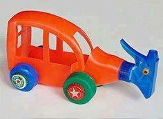 plastik ambalaj atığından çocuğunuza oyuncak yapınız