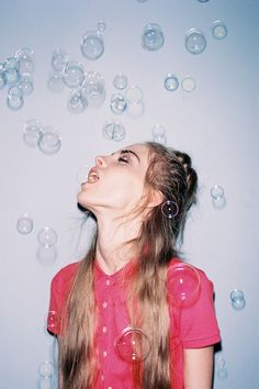 A great way to make indoor photo shoots / outfit posts fun; just add bubbles (and a beautiful model)!
