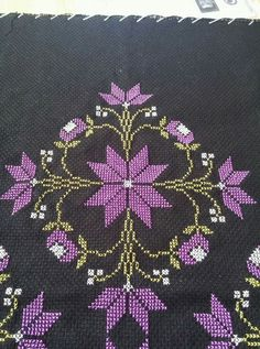 This Pin was discovered by Çağ Cross Stitch Embroidery, Hand Embroidery, Palestinian Embroidery, Bargello, Cross Stitch Flowers, Cross Stitch Designs, Elsa, Diy And Crafts, Projects To Try