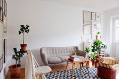 minimalist retro furniture...yes.
