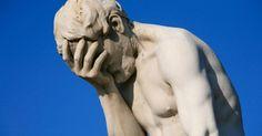 Istoricul și economistul italian, Carlo Cipolla, a studiat minuțios anatomia prostiei ca fenomen. Ani lungi de cercetări au adus la aceea că savantul a formulat 5 teoreme (legități) general- valabile în oricare societate. Curios lucru: PROSTIA în sine este mult mai periculoasă decât ne- am obișnuit noi să o considerăm!!! Prima teoremă a prostiei Omul …