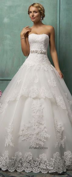This is so beautiful! Found my wedding dress:)