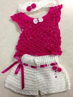ideas crochet baby girl shops doll clothes for 2019 Crochet Baby Dress Pattern, Baby Dress Patterns, Afghan Crochet Patterns, Baby Knitting Patterns, Crochet Toddler, Baby Girl Crochet, Crochet Baby Clothes, Girls Sweaters, Baby Sweaters