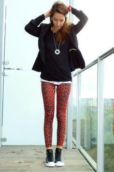 Outfits con leggings y converse que te volverán adicta