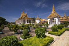 "Royal Palaca and Silver Pagoda: Located in the heart of the capital, the Royal Palace and Silver Pagoda is the ""place"" of the painting myths, tales and precious statues, including the statue of Germany famous emerald colored Buddha."