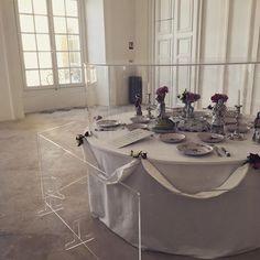 #château #castle #Luneville #service #table #décor #décoration  #blanc #white #chic #classe #beau #beautiful #magnifique #memory #souvenir #fleurs #flowers #red #rouge #couvert #assiettes #intérieur #porcelaine #luxe