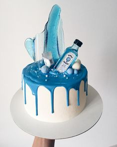Cake Icing, Buttercream Cake, Fondant Cakes, Cupcake Cakes, Cake Decorating Supplies, Birthday Cake Decorating, Blue Drip Cake, Liquor Cake, Bottle Cake
