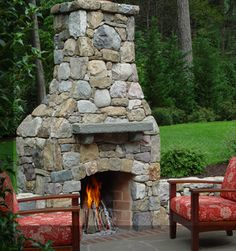 Oh, how I'd love to have an outdoor fireplace....& a yard big enough for it lol