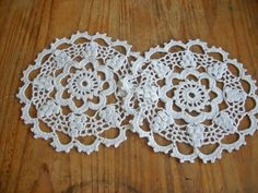 inserzione di Etsy su https://www.etsy.com/it/listing/163615022/crochet-doily-crocheted-doilies-lace