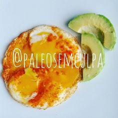 café da manhã e pós treino: 2 ovos e 50 gramas de abacate (e uma capsula de omega 3). Também tomei café hoje mas a abestada aqui esqueceu de tirar foto.  E começa o segundo dia de bicho e planta. :) Tem dúvidas sobre a paleo? LINK NA BIO! #dieta #dietas #dietasempre #dietasemsofrer #dietapaleolitica #dietapaleo #paleo #paleofood #paleobrasil #paleolitica #paleolife #paleolifestyle #paleodiet #mydiet #eatclean #primal #primalfood #realfood #bixoeplanta #bichoeplanta #eatreal #fit…