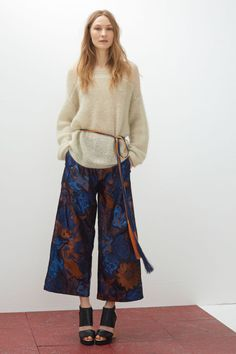 The rope belt at Rodebjer. Rope belts are nothing new, but the resort collections this season showed us that there is no wrong way to wear them. Take inspiration from the runway and add to your own wardrobe.