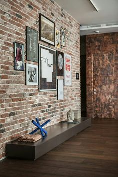 Perfect Entryway Décor Is Very Important Because Itu0027s That Space That Speaks About  Your Home. A Trendy Brick Wall Is A Must Have There!