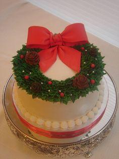 Christmas Wreath Cake So simple but so cute!