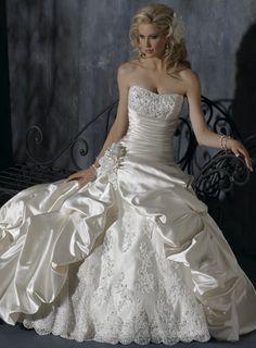Charming Sleeveless Ball Gown Floor-length wedding dress