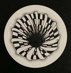 Optical illusion doodle tattoo ideas в 2019 г. Doodle Tattoo, Tangle Doodle, Doodles Zentangles, Zen Doodle, Zentangle Patterns, Illusion Drawings, Illusion Art, Mandala Sketch, Botanical Line Drawing