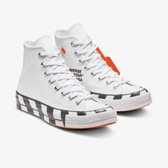 Explore and buy the Converse x Off-White Chuck 70 'Icon'. Stay a step ahead of the latest sneaker launches and drops. Cheap Converse Shoes, Off White Converse, Off White Shoes, Grunge Style, Soft Grunge, Galaxy Converse, Doc Martins, Grunge Outfits, Converse Chuck Taylor