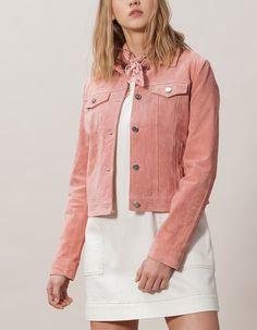 Four Pocket Peccary Jacket by Stradivarius Pink Denim Jacket, Suede Jacket, Denim Outfit, Denim Shirt, Leather Jacket, Pijamas Women, Diy Clothes, Clothes For Women, Vestidos