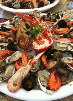 Fruit de mer..... Seafood Recipes, My Recipes, I Love Food, Good Food, Seafood Tower, Sea Food, Antipasto, Bon Appetit, Oysters