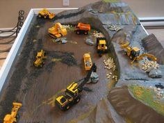 Convert a Train Table to a Construction Zone Table: 4 Steps (with Pictures) Construction Bedroom, Construction For Kids, Construction Theme, Car Table, Train Table, Carton Diy, Toy Rooms, Classic Toys, Diy For Kids