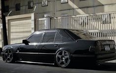 Classic Car News Pics And Videos From Around The World Mercedes 124, Classic Mercedes, Mercedes Benz Cars, Mercedez Benz, Maybach, Top Cars, Performance Cars, Motor Car, Vintage Cars