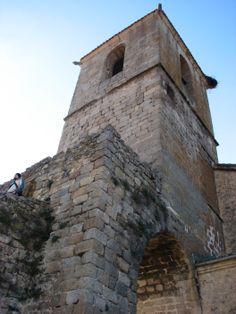 La Torre de la Iglesia de Sta María de Aguas Vivas, construida sobre los restos del castillo templario de Hervás.