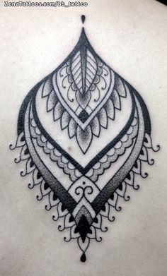 Tatuaje hecho por Rebeca López, de Barcelona (España). Si quieres ponerte en contacto con ella para un tatuaje o ver más trabajos suyos visita su perfil: http://www.zonatattoos.com/bb_tattoo Si quieres ver más tatuajes de mándalas visita este otro enlace: http://www.zonatattoos.com/tatuaje.php?tatuaje=105213