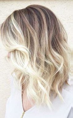 Most attractivee hair color ideas for short hair, absolutely ombre styles. And if you love blonde hairdos, these 20 Best Blonde Ombre Short Hair pictures. Blonde Ombre Short Hair, Brown Ombre Hair, Ombre Hair Color, Short Ombre, Best Ombre Hair, Balyage Hair, Balayage Hair Blonde, Baylage, Shoulder Length Hair