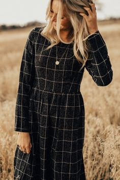 Art District MOM Dress in Charcoal | ROOLEE