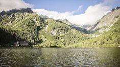 Eine Fahrt mit der Tatrabahn in der Region Hohe Tatra Eine der größten Erlebnisse ist die Möglichkeit in der Hohen Tatra ökologisch zu reisen – mit der Elektrischen Tatrabahn. Hier unser Video. Videos Rafting, Videos, Grand Canyon, Water, Travel, Outdoor, Mountaineering, Environment, Landscape