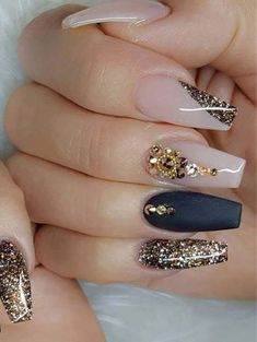 "If you're unfamiliar with nail trends and you hear the words ""coffin nails,"" what comes to mind? It's not nails with coffins drawn on them. It's long nails with a square tip, and the look has. Diamond Nail Designs, Black Nail Designs, Acrylic Nail Designs, Nail Art Designs, Nails Design, Design Art, Design Ideas, Fancy Nails, Cute Nails"