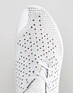 Perforation tissus chaussure