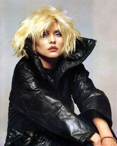 Debbie Harry of Blondie Blondie Debbie Harry, Debbie Harry Style, Divas Pop, Nostalgia, Black And Blonde, Musa, Celebs, Celebrities, Blondies