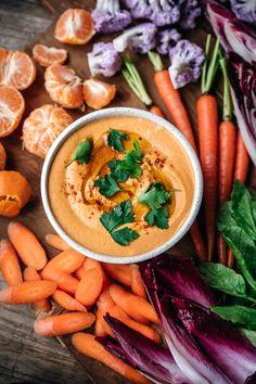 Pesto Hummus, Chickpea Hummus, Make Hummus, Homemade Hummus, Classic Hummus Recipe, Fresh Garlic, Roasted Garlic, Pizza Champignon, Chickpeas