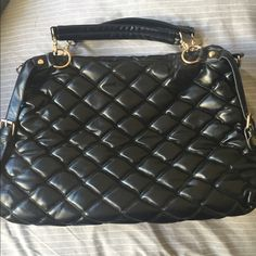 Quilted Handbag Handbag was never used, just been put away. Has removable straps all in which you can see in pictures. Can be used as a shoulder bag, crossbody, or a handbag. Any questions please ask. trades. Thanks. Bags Crossbody Bags