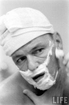 Frank Sinatra shaving 1965