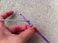 Great Beginner Crochet Tutorial!  Step-by-step tutorial on a few of the most basic crochet stitches
