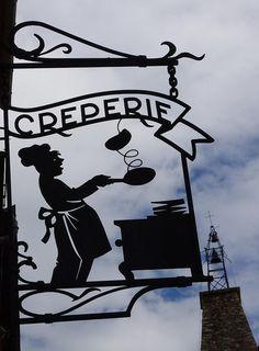 *Enseigne Crêperie; Roussillon, France*